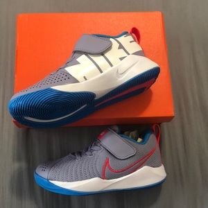BNIB UniSex Nike's